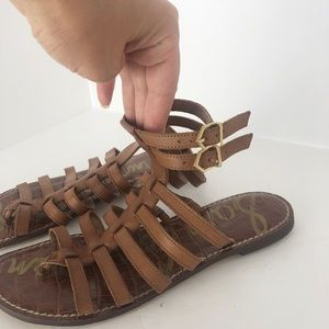 Same Edelman Gilda brown leather gladiator sandal